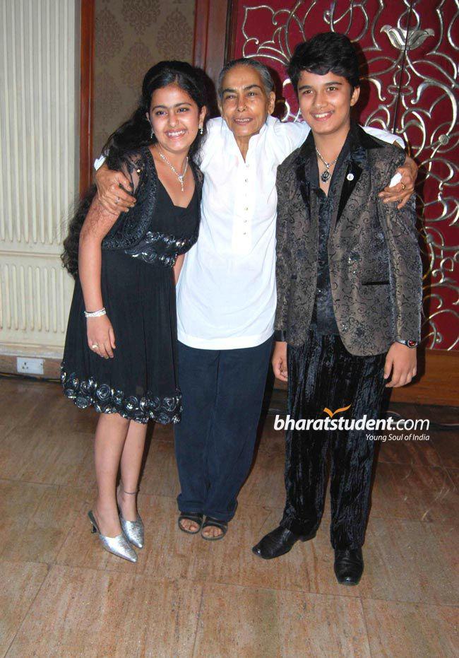 """Chú rể của """"Cô dâu 8 tuổi"""" trở thành tài tử Bollywood - 8"""