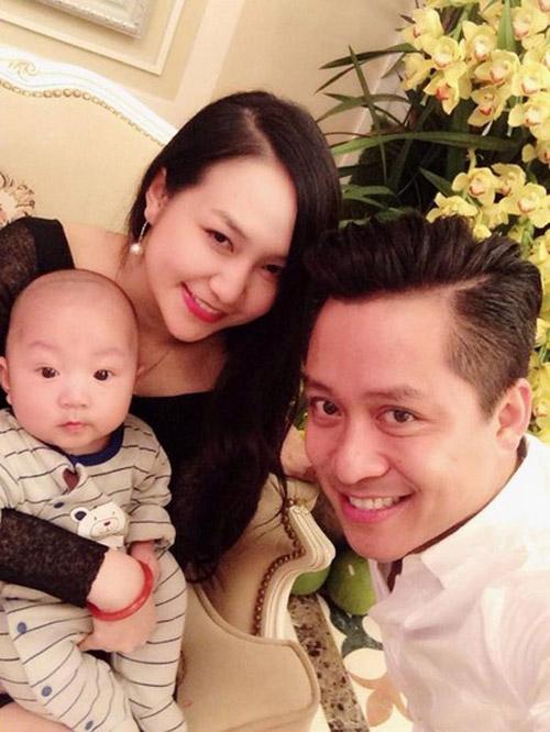 Những ông chồng sao Việt đảm đang chăm vợ con - 6