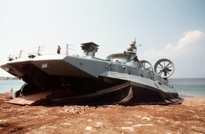 Vừa tập trận trên Biển Đông, TQ vừa vu vạ láng giềng - 2