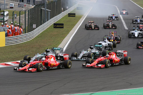 Hungarian GP: Podium không Mercedes - 2