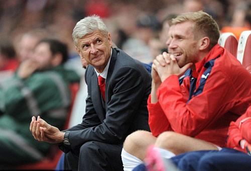 """Giành Emirates Cup, Wenger """"mơ"""" Walcott thành Henry - 2"""