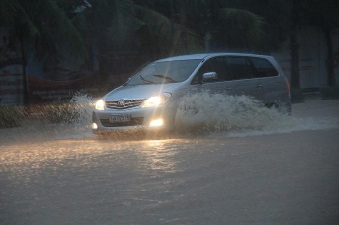 Quảng Ninh chìm trong trận lụt lịch sử - 5