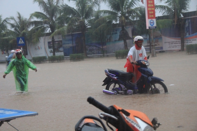 Quảng Ninh chìm trong trận lụt lịch sử - 1