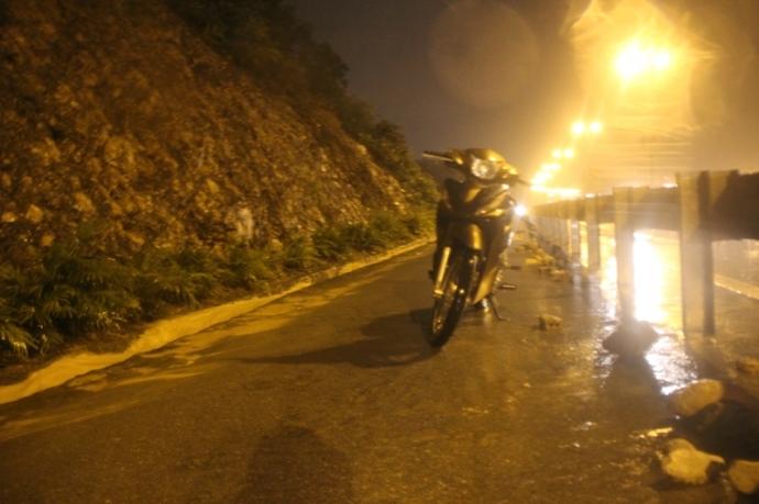 Quảng Ninh chìm trong trận lụt lịch sử - 11