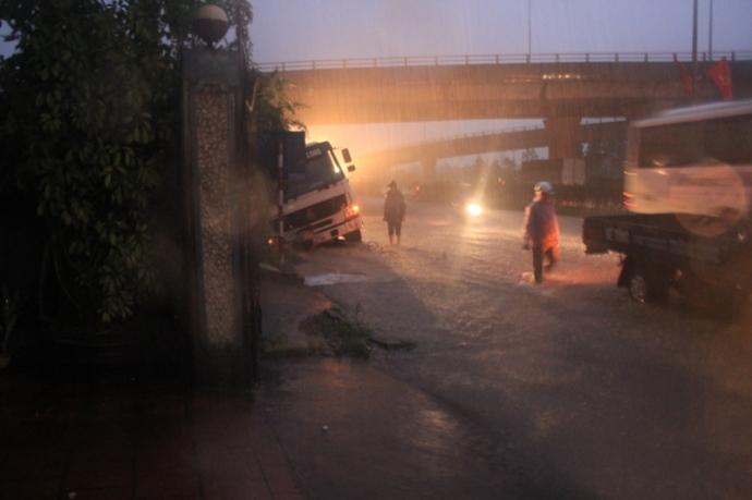 Quảng Ninh chìm trong trận lụt lịch sử - 8