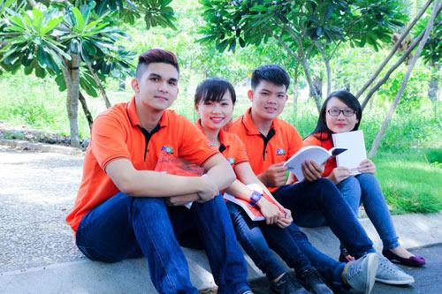 Học sinh tốt nghiệp THPT theo nghề lập trình nhờ game hot - 2