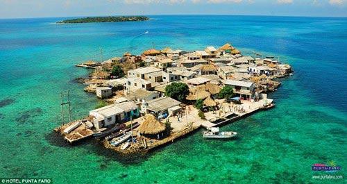 Ngàn người chen chúc trên hòn đảo chật nhất thế giới - 2