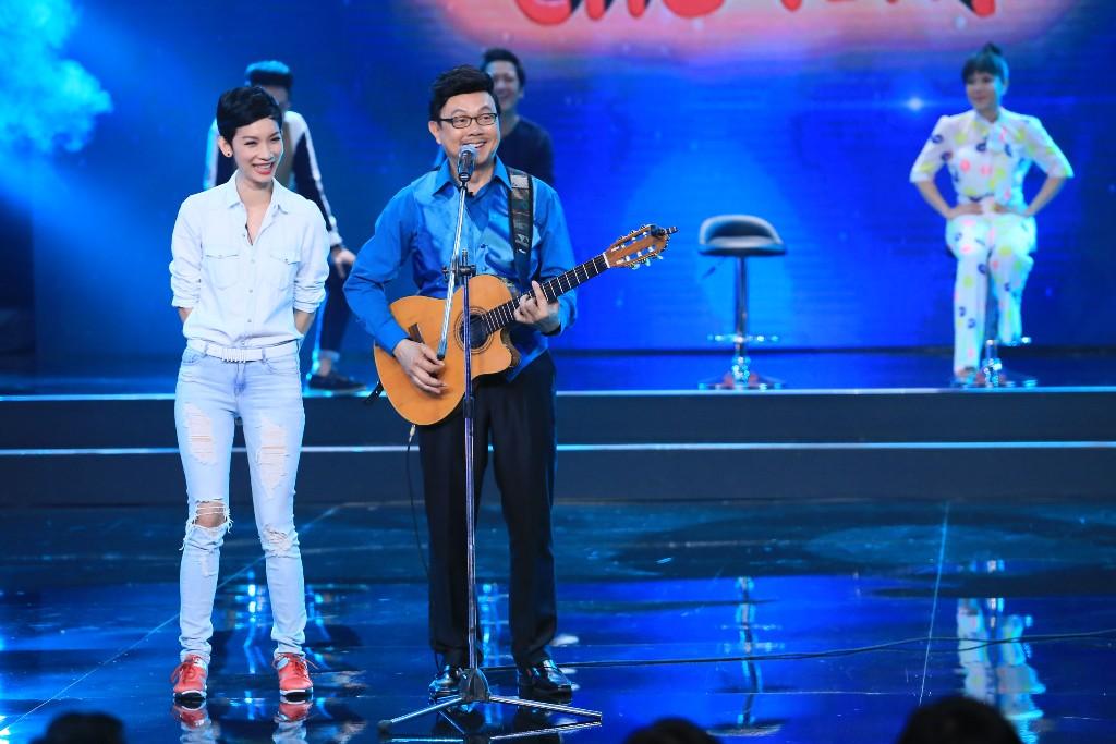 Việt Hương khiến khán giả vừa cười vừa khóc - 9