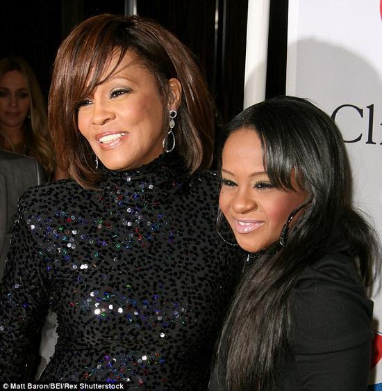 Con gái Whitney Houston qua đời ở tuổi 22 - 2