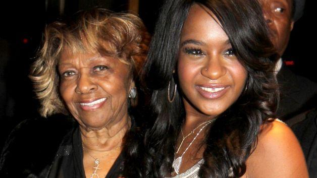 Con gái Whitney Houston qua đời ở tuổi 22 - 3