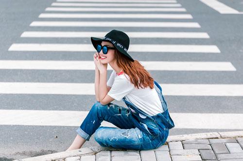 Gu mặc sành điệu của cô gái mê jeans trên phố Sài Gòn - 2