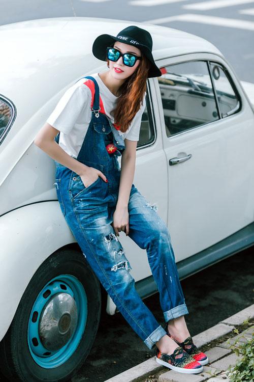 Gu mặc sành điệu của cô gái mê jeans trên phố Sài Gòn - 4