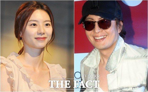 Cụ bà ngồi xe lăn chờ đám cưới Bae Yong Joon - 1