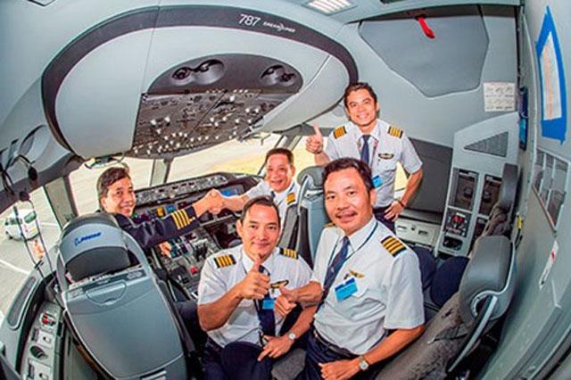 Phi công VN sẽ lái chiếc máy bay hiện đại nhất TG - 1