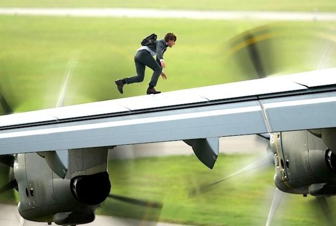 """Tom Cruise rơi vào tình huống """"nghìn cân treo sợi tóc"""" - 6"""