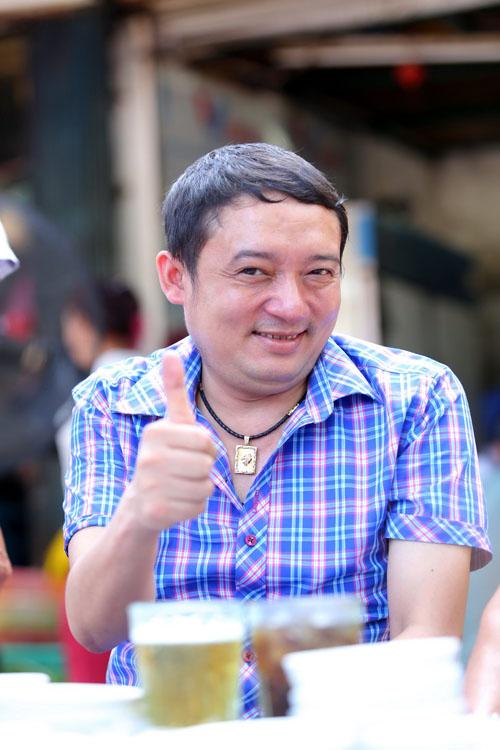 Danh hài Chiến Thắng la cà bia hơi với nhạc sĩ Vinh Sử - 12