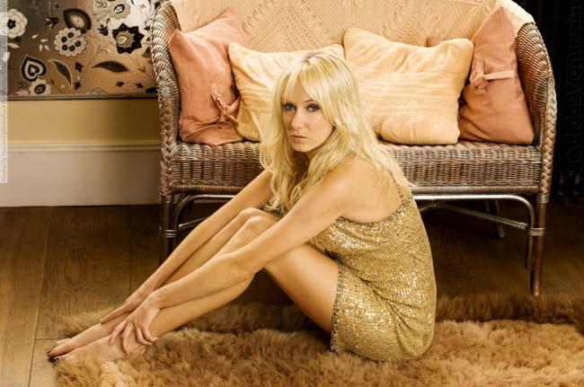 Diễn viên - người mẫu Kimberly Stewart vừa trở lại showbiz sau 4 năm vắng bóng.