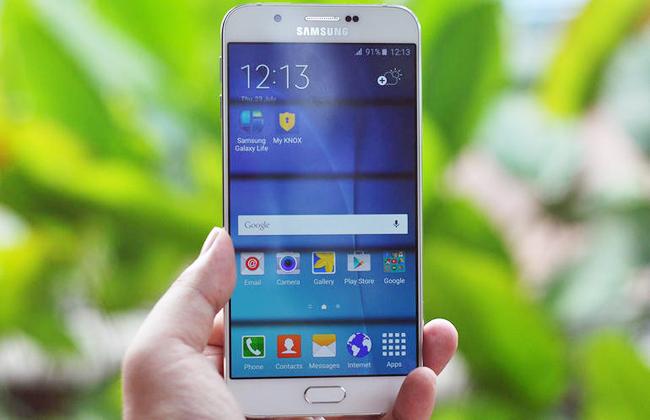 Samsung Galaxy A8 được nhắc đến là chiếc smartphone mỏng nhất từ trước tới nay của nhà sản xuất Hàn Quốc, với độ mỏng là 5,9mm.