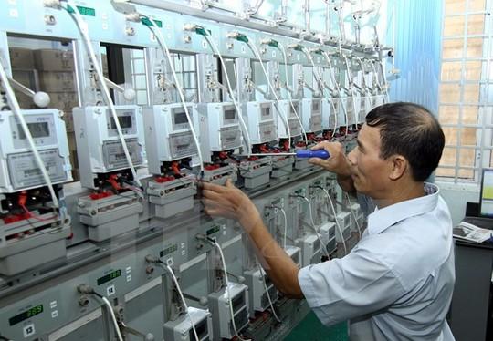 """Thay hàng loạt công tơ điện tử: Lo chi phí """"bổ"""" thêm vào giá điện - 1"""
