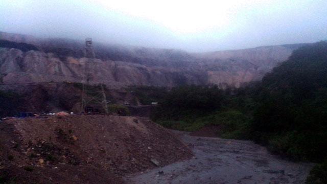 Quảng Ninh: Vỡ đập xỉ thải, di dời khẩn cấp 350 người - 1