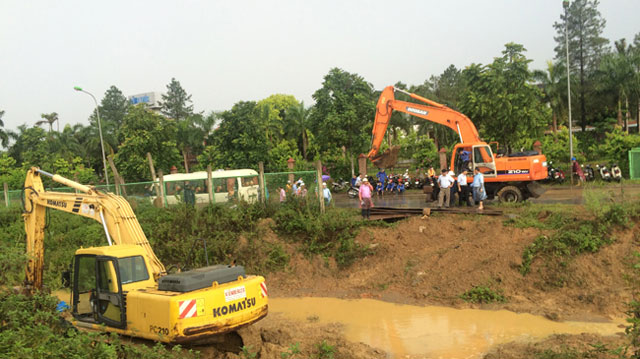 Vỡ đường ống nước sạch sông Đà: Trách nhiệm TP Hà Nội đến đâu? - 1