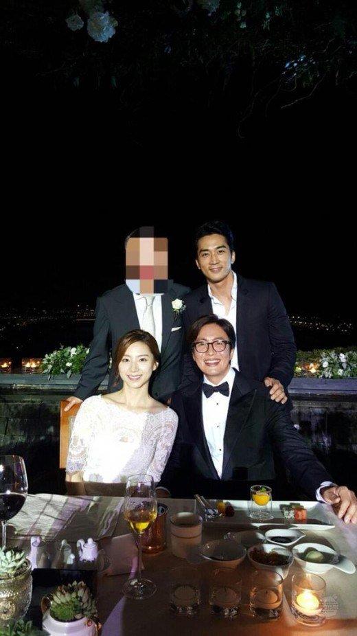 Chú rể Bae Yong Joon bị chê thậm tệ sau đám cưới - 1