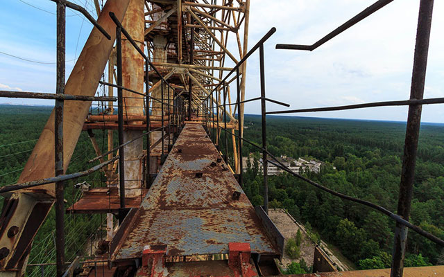 """Rợn người thị trấn """"ma"""" trong lòng Chernobyl - 2"""