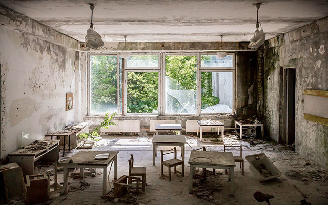 """Rợn người thị trấn """"ma"""" trong lòng Chernobyl - 4"""