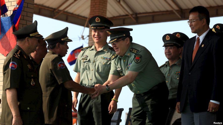 """Chuyên gia nghi ngờ động cơ """"hòa giải Biển Đông"""" của Campuchia - 2"""