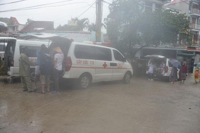Bới tung hàng ngàn khối đất đá tìm nạn nhân bị vùi lấp ở Quảng Ninh - 13