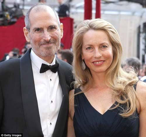 """Steve Jobs và """"bóng hồng"""" giúp ông sống mãi - 3"""