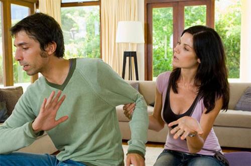 7 tật xấu bạn không nên thể hiện khi nói chuyện - 1