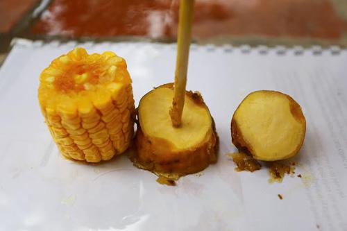 Thực hư luộc ngô, khoai bằng bột thông cống - 4