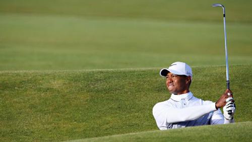 Golf 24/7: Golf thủ thóa mạ, sa thải caddie ngay trên sân - 2