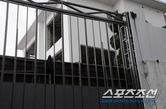 Sửng sốt vì độ giàu có của tài tử Bae Yong Joon - 5