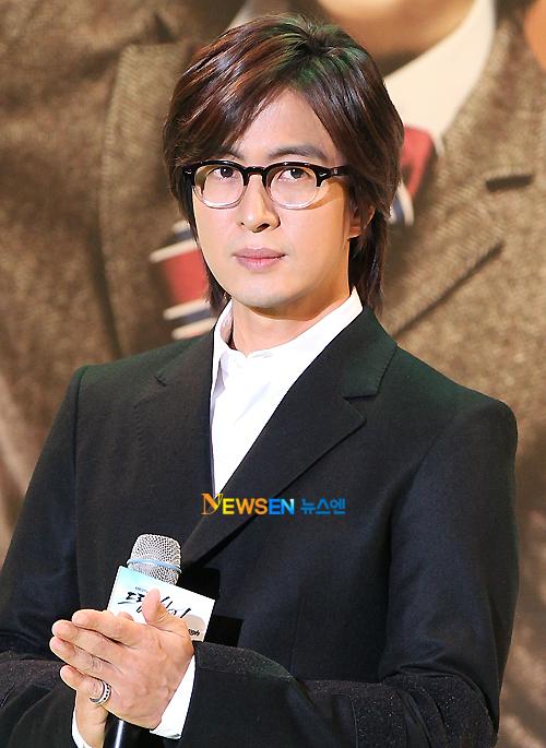 Sửng sốt vì độ giàu có của tài tử Bae Yong Joon - 8