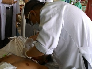 Cứu sống một bệnh nhân bị cắt đứt lìa khí quản