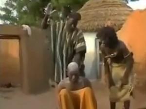 Video: Chữa đau đầu kiểu hại não nhất quả đất