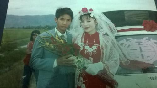 Câu chuyện cảm động sau những bức hình cưới ngày xưa - 5
