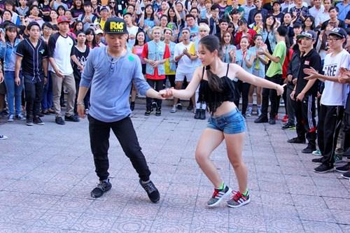 Chàng vũ công gây xúc động khi đi thi nhảy thay vợ - 11