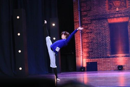 Chàng vũ công gây xúc động khi đi thi nhảy thay vợ - 4