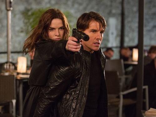 """Ngắm nhan sắc """"tình mới"""" kém 20 tuổi của Tom Cruise - 1"""