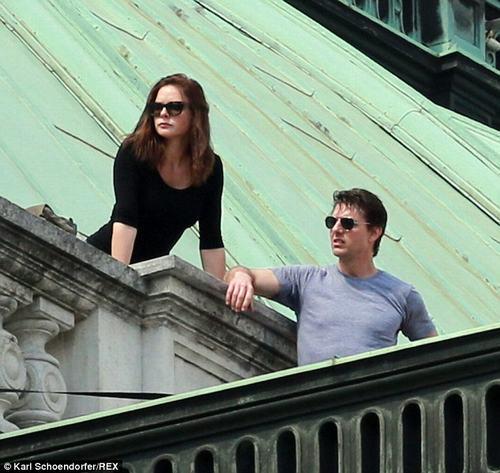 """Ngắm nhan sắc """"tình mới"""" kém 20 tuổi của Tom Cruise - 3"""