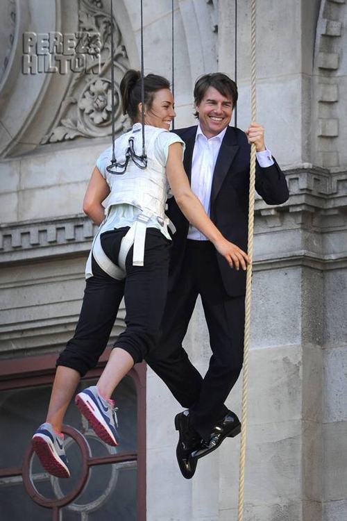"""Ngắm nhan sắc """"tình mới"""" kém 20 tuổi của Tom Cruise - 5"""
