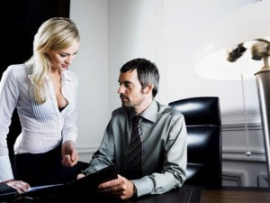Sốc khi vợ quan hệ với quá nửa đàn ông ở cơ quan