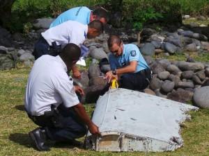 """Chuyên gia: """"Mảnh vỡ vừa tìm thấy là của MH370"""""""