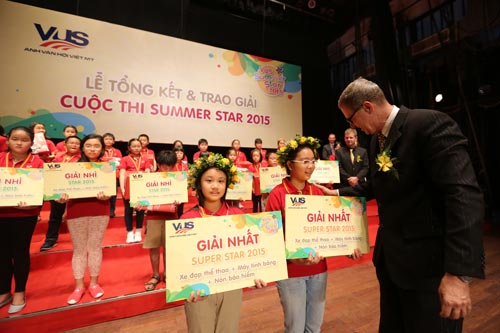 Gần 200 giải thưởng dành tặng cho học viên xuất sắc tại VUS - 1