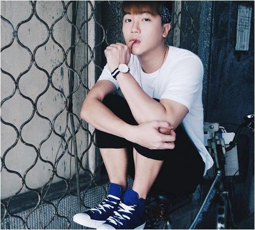 """Giới trẻ Việt """"nức lòng"""" vì mốt giày thể thao mới - 8"""