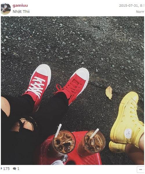 """Giới trẻ Việt """"nức lòng"""" vì mốt giày thể thao mới - 5"""