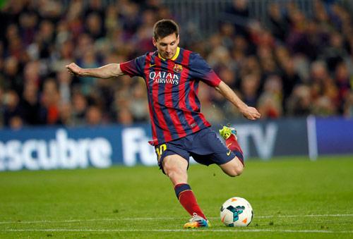 """""""Siêu nhân"""" Messi: Cột mốc 70 bàn & giấc mơ QBV - 1"""